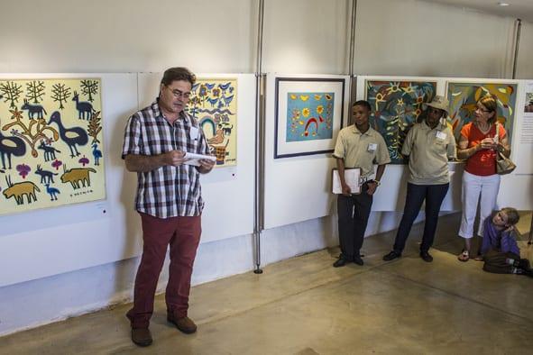 Nicolaas Maritz eröffnet die Ausstellung