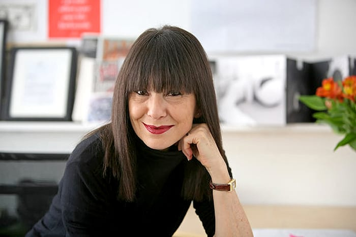 PERFIL RoseLee Goldberg