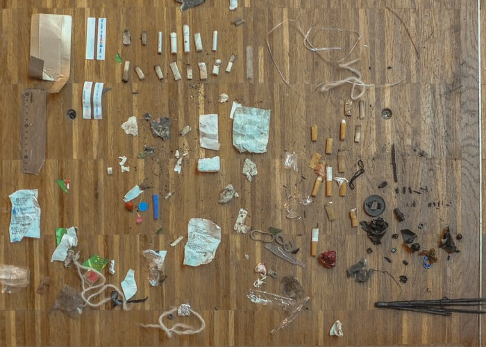 Kai Lossgott, hunter-gatherer, 2016. Performance with wearable post-consumer plastic sculpture and found objects, 30 min, Centre Georges Pompidou, Paris, FR. Photo: Deneth P. Image courtesy of the artist.