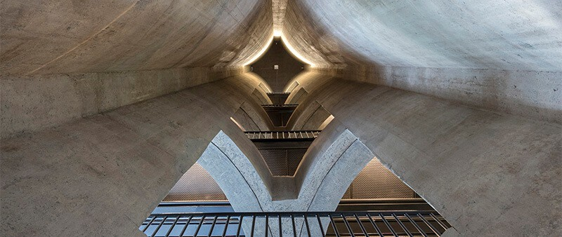 Interstital tube space, Zeitz MOCAA. Heatherwick Studio. Photogragh: Iwan Baan. Courtesy of Zeitz MOCAA