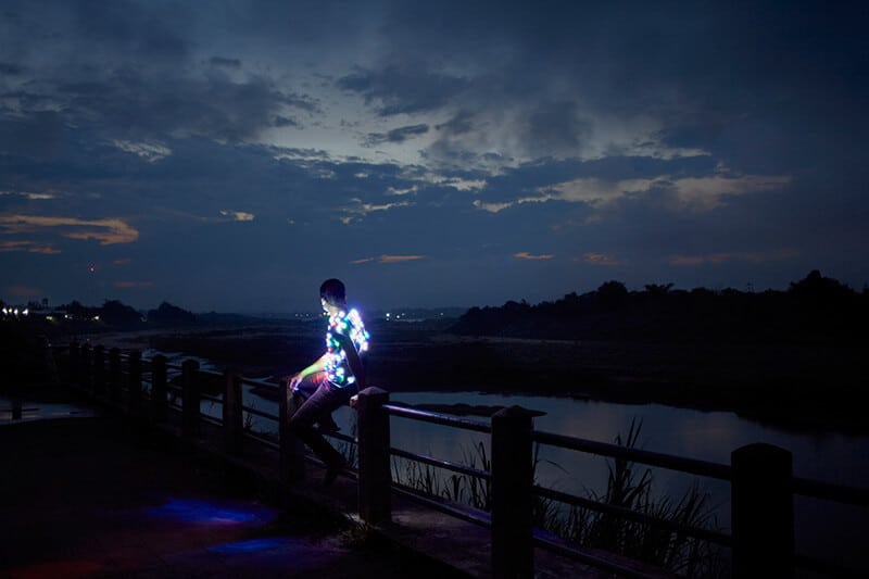 Apichatpong Weerasethakul, Power Boy (Mekong), 2011, Lightjet Print, 1500 mm x 2250 mm, cortesía de Kick the Machine Films. Cortesía de Artes Mundi 8.