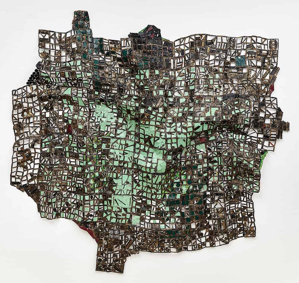 El Anatsui, Tsu, 2016. Bottle caps, 225x242cm. Courtesy of Goodman Gallery.