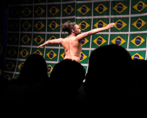 """Luiz de Abreu, O samba do crioulo doido, 2004-2013. Vídeo, 22'28"""". Photographer: Renata D'Almeida. Courtesy of the artist & photographer."""