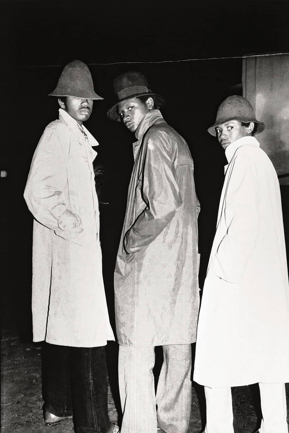 Malick Sidibé, Les faux agents du FBI, 1974 Signed gelatin silver print, 2011. 60 x 50cm. © Malick Sidibé Courtesy collection André Magnin.