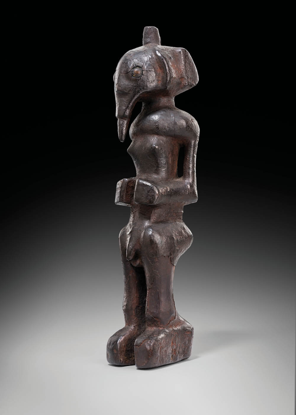 Manche de Hochet (Chokwe) D.R.Congo / Angola, wood, c. end of the 19th century to the beginning of the 20th century. Image courtesy of Fundação Sindika Dokolo.