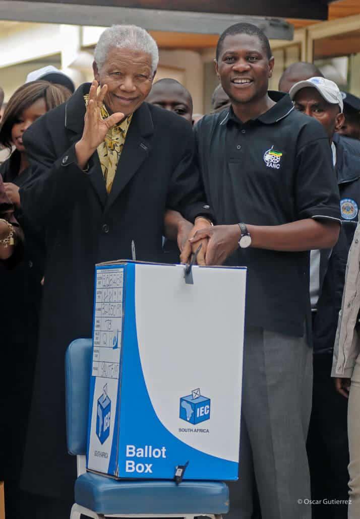 #9 Nelson Mandela & Paul Mashtile at Houghton Golf Course 2009