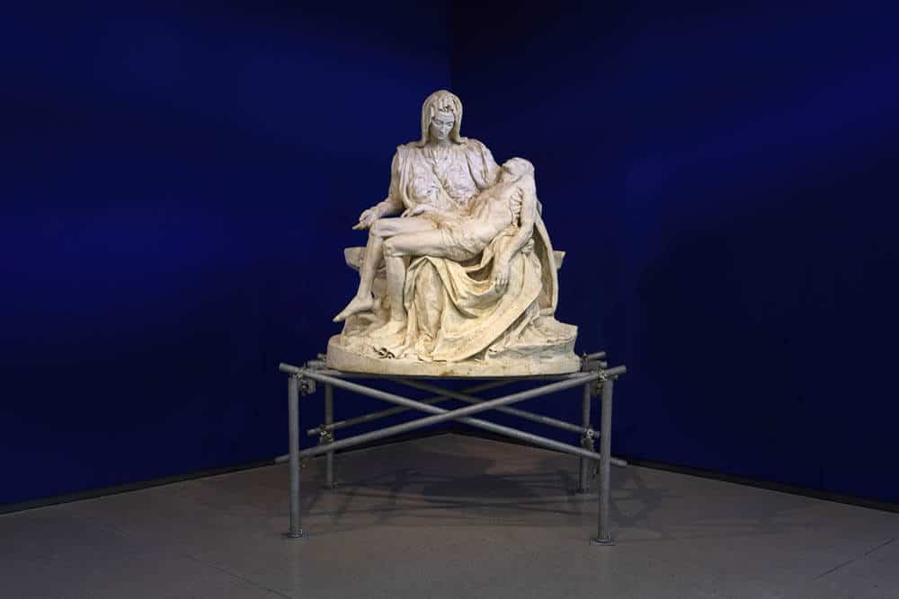 Mieliepap Pietà, 2004. Maize meal, epoxy resin. Courtesy of the Spier Collection.