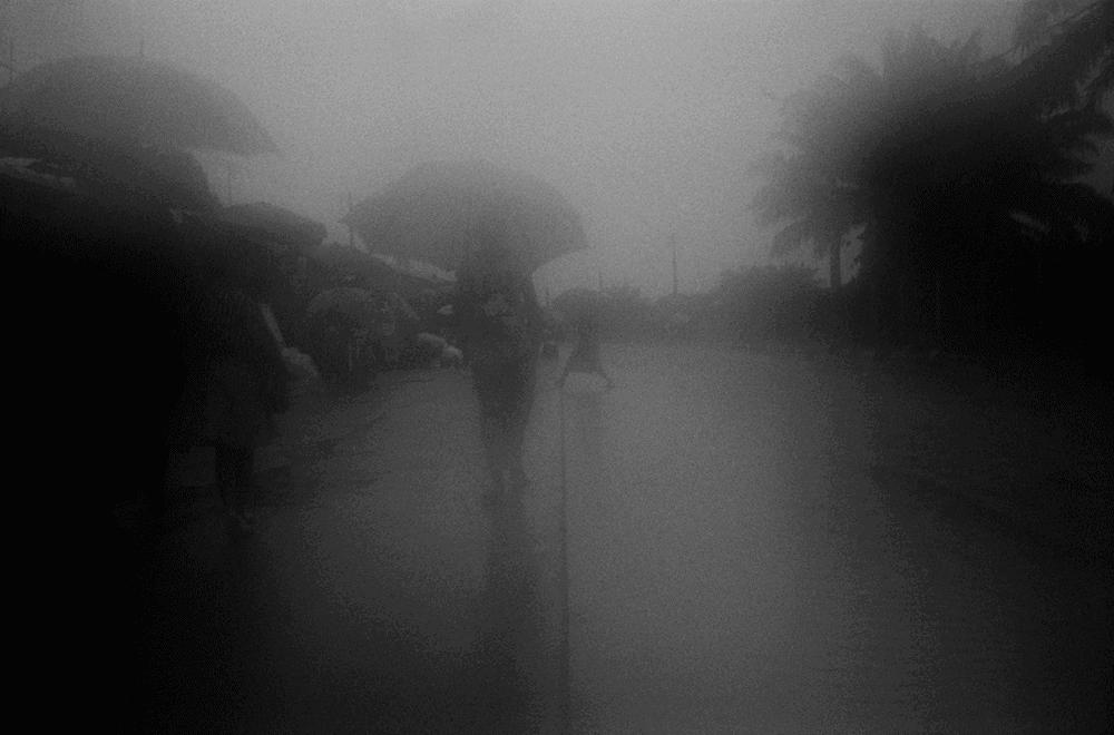 Ananias Léki Dago, Rainy days, 2013-2018. 50 x 60cm.