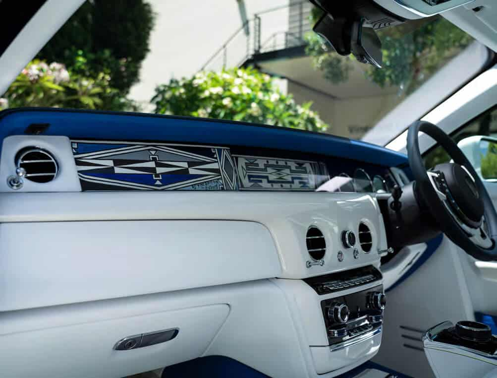 La Rolls Royce dipinta dal dott. Esther Mahlangu.