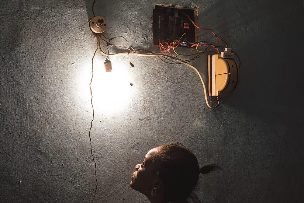 Emeka Okereke (Nigeria), Lichtschalter, 2015.