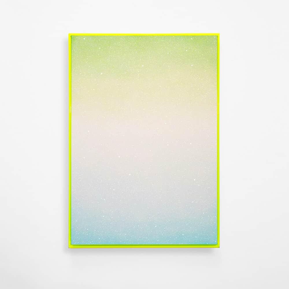 Rosie Mudge, Verliere deinen Verstand Verliere die Spur von Atmung und Zeit Es sind nur du da unten, 2020. Autolack und Glitzerkleber auf Leinwand, 102 x 72 cm.